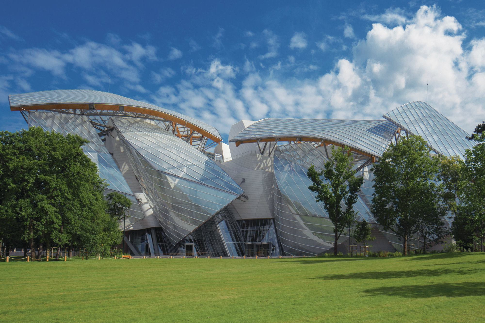 Fondation louis vuitton designed by gehry partners architect magazine cultural projects - Frank gehry louis vuitton ...