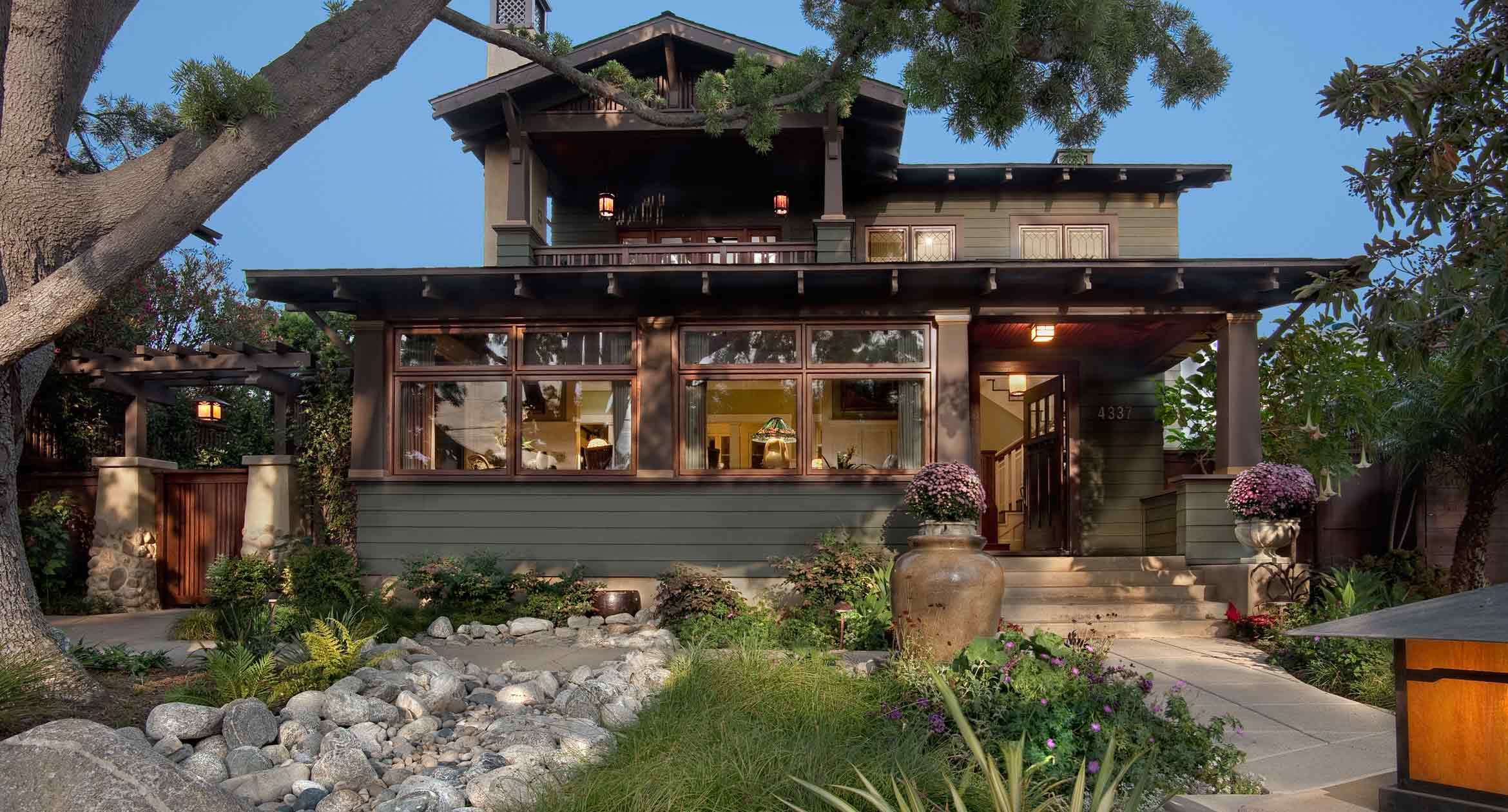 A Newly Rebuilt Craftsman With Old Style Patina Builder Magazine Design Additions Dining