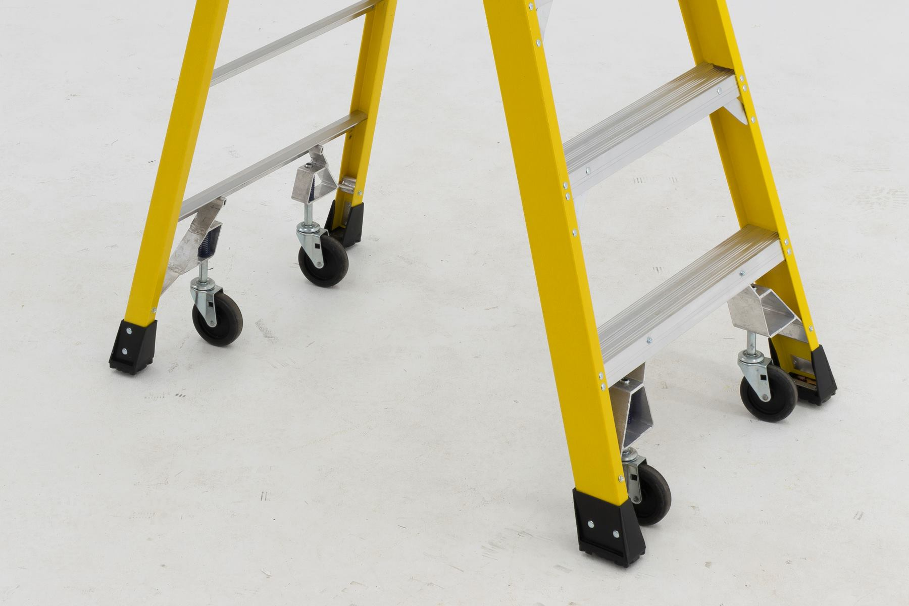 werner podium ladders move easily with new casters jlc online jobsite equipment ladders tools and equipment safety werner ladder - Werner Ladder