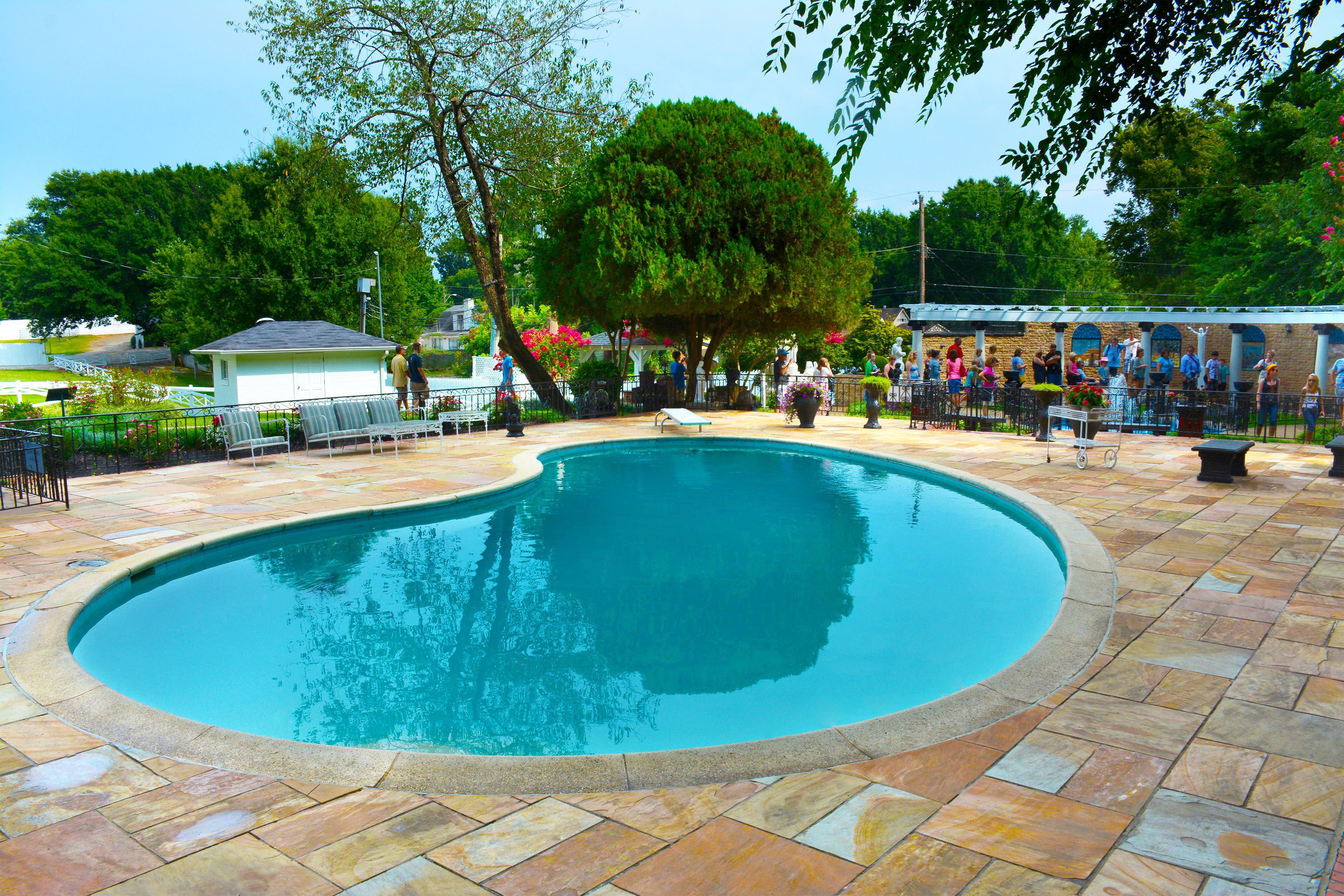 Elvis Presley S Pool Is Well Preserved Pool Spa News Maintenance Pool Covers Pools