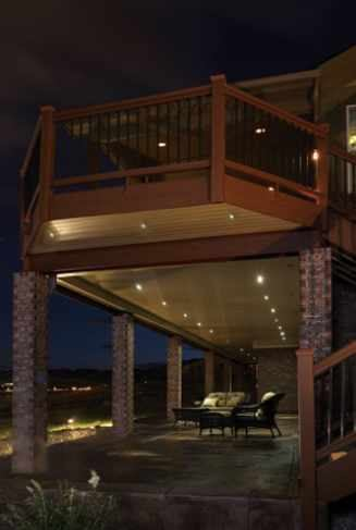 Wiring for low voltage lighting professional deck for Low voltage deck lighting
