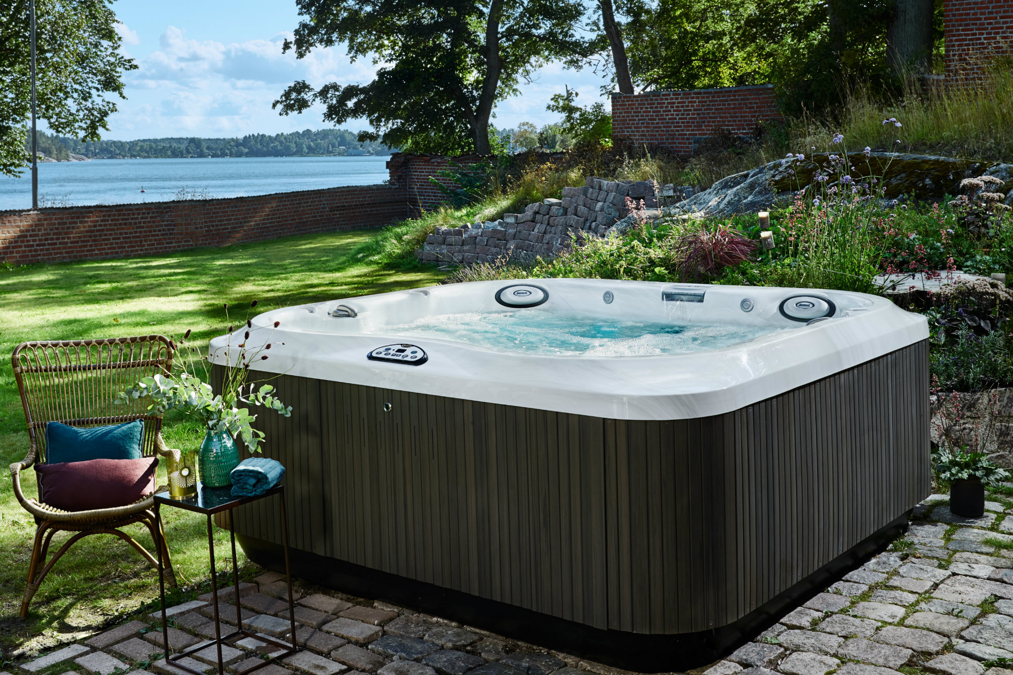 state of the market portable spas pool spa news spas hot tubs sales marketing. Black Bedroom Furniture Sets. Home Design Ideas
