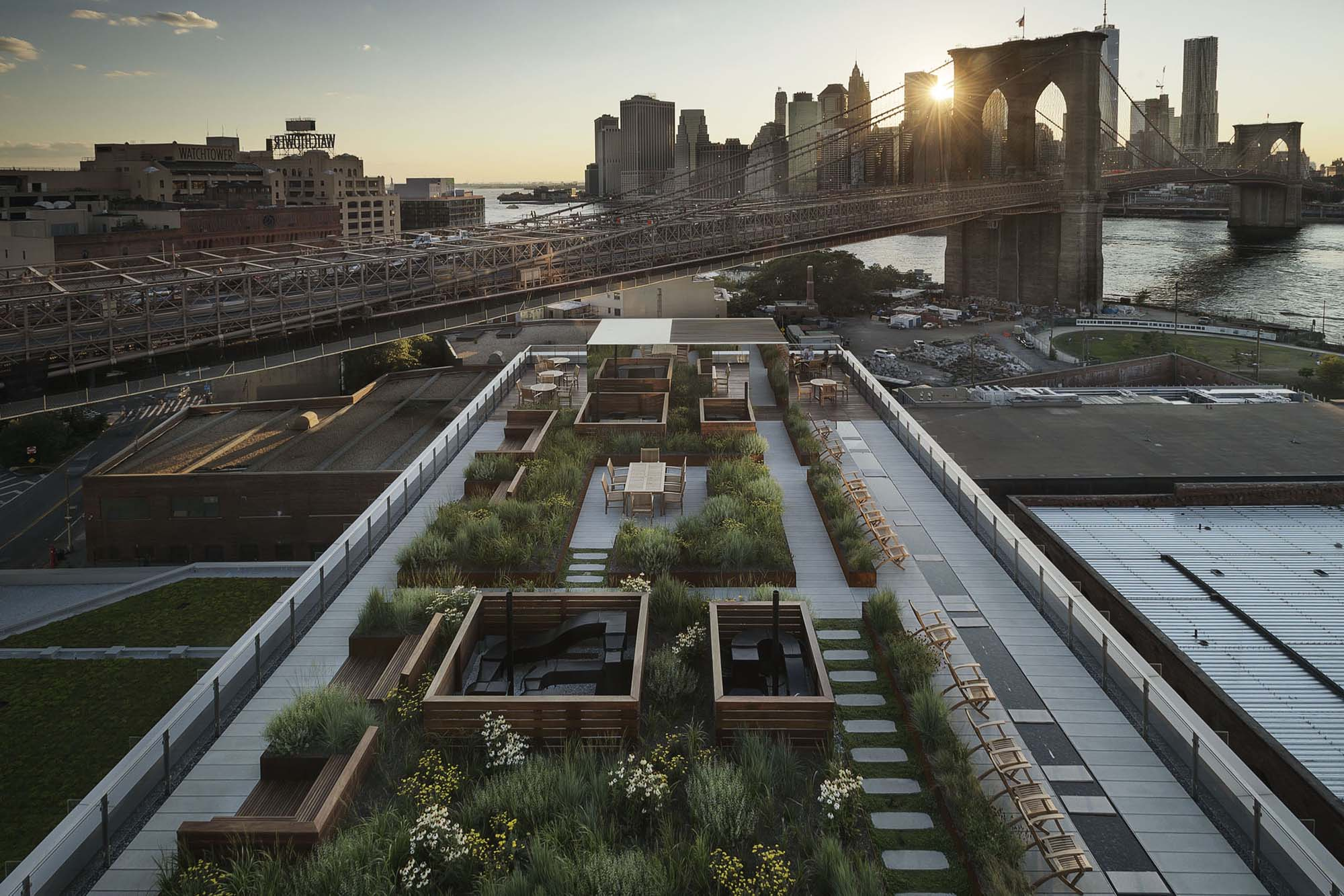Roof Terrace At 60 Water Street