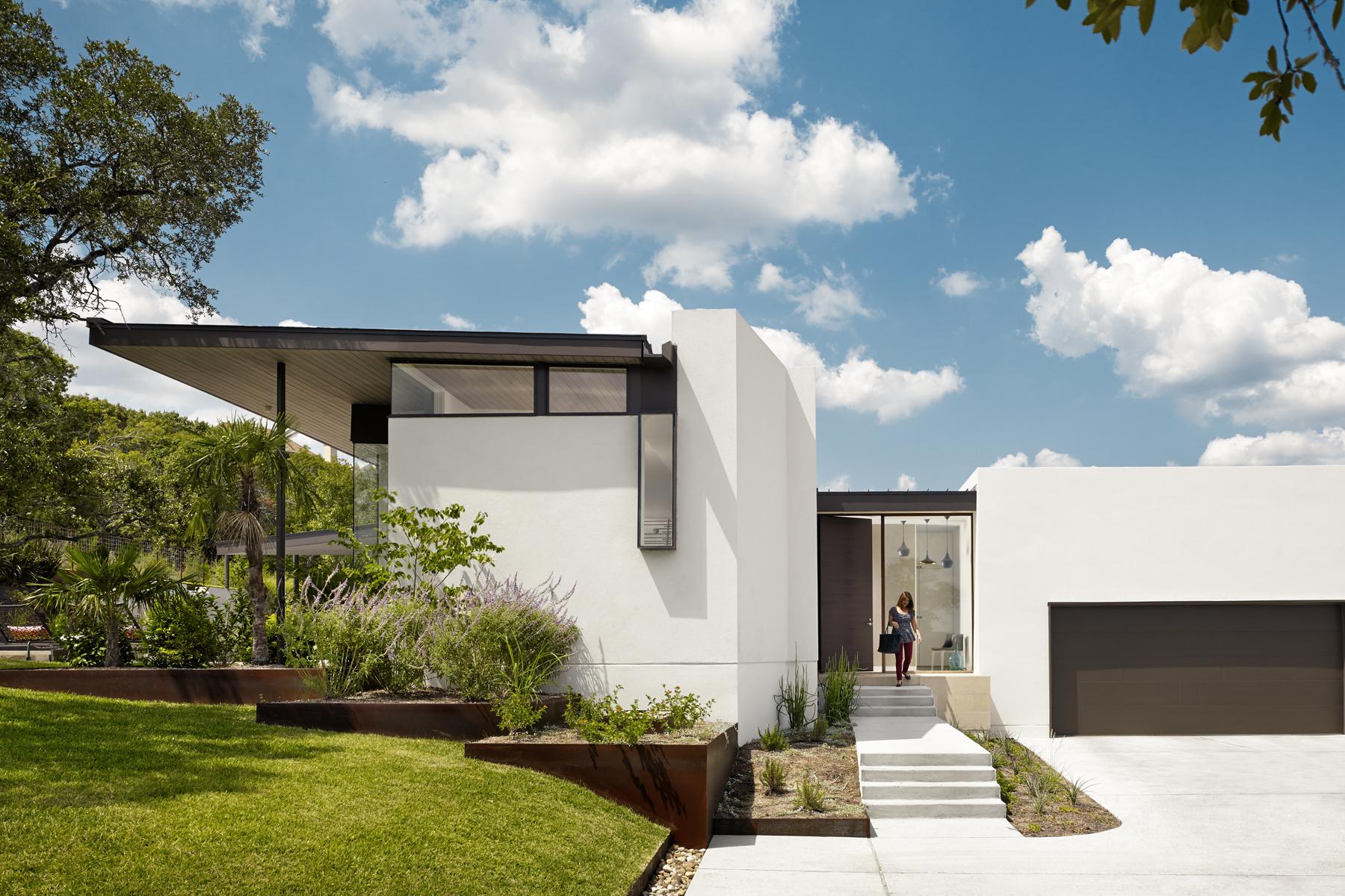 Cassava residence residential architect alterstudio for Residential architect design awards