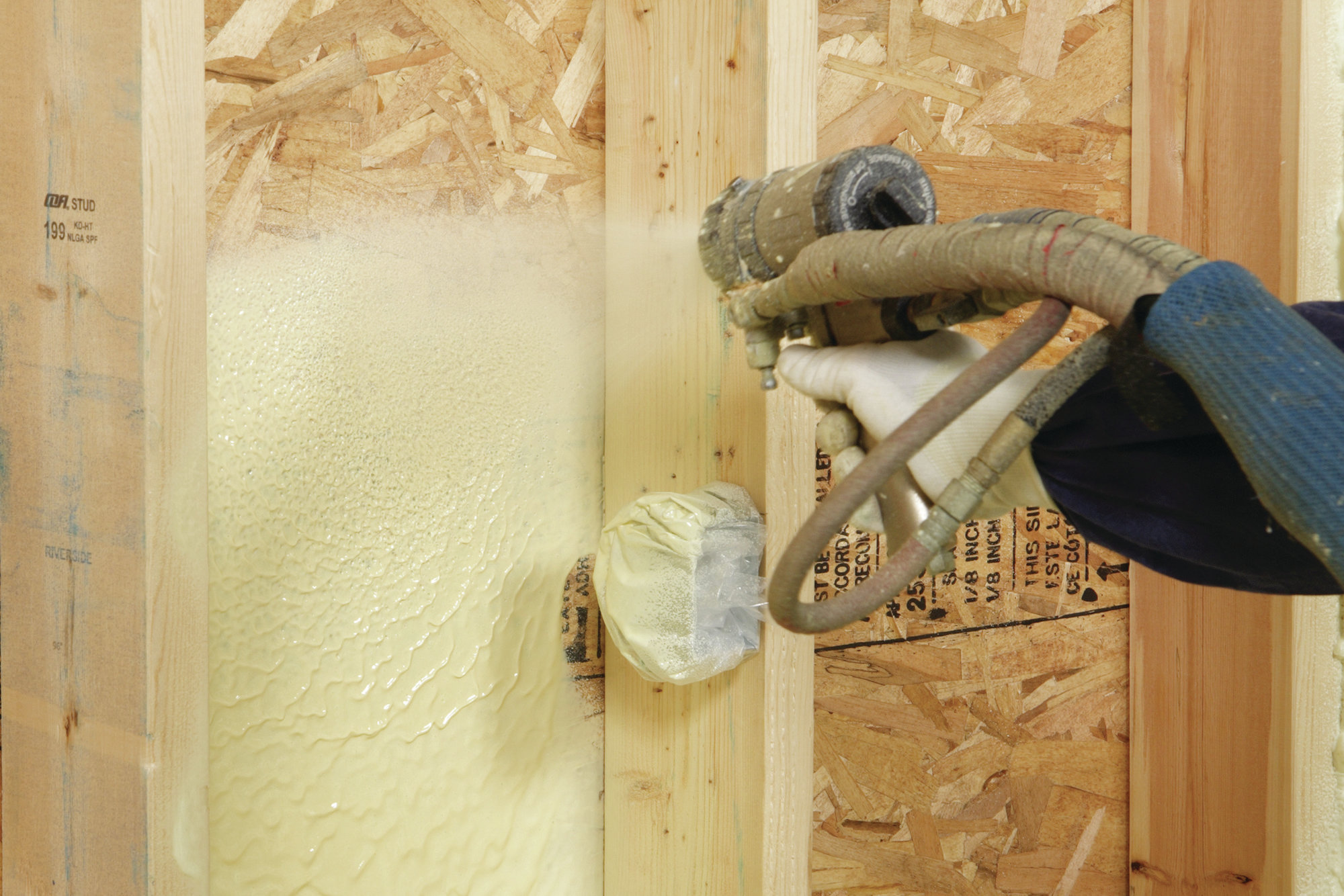 Icynene S Classic Max Spray Foam Insulation Prosales