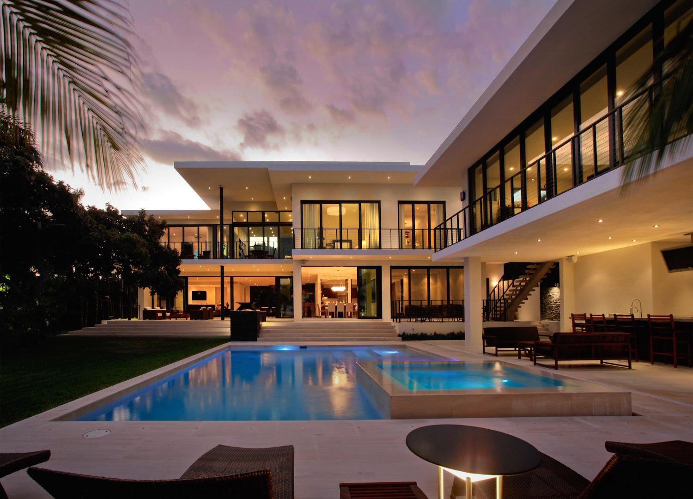 105 east rivo alto drive architect magazine choeff for Alto design architects