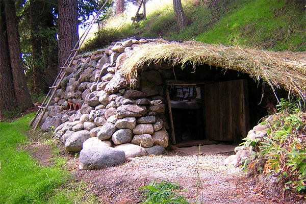 Hobbit Home Happiness Ecobuilding Pulse Magazine Green