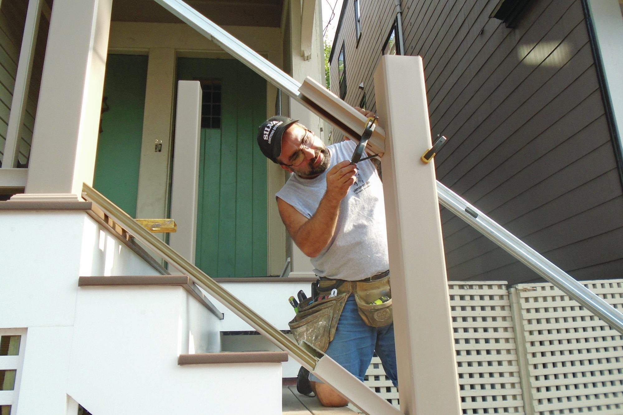 Installing A Composite Rail Kit Professional Deck