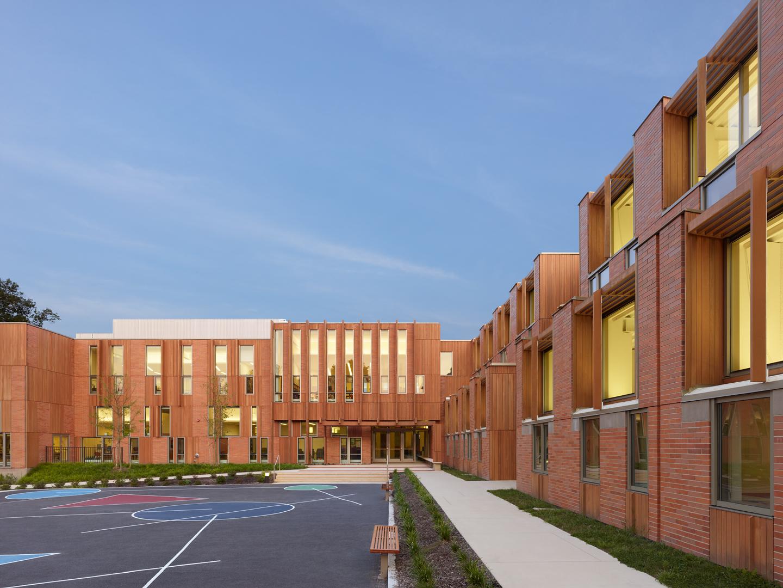 Roger e wellington school residential architect for Local residential architects