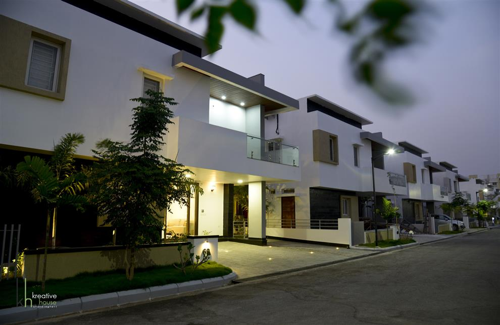 Modern house with classical touch villa at kondapur for Modern house projects