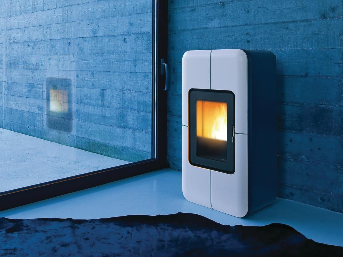 Epa certified toba self cleaning pellet stove ecobuilding pulse magazine green products - Pellet stoves clean comfort ...