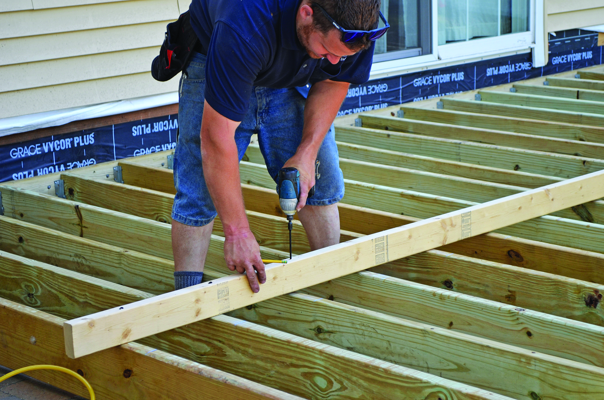 Leveling joists professional deck builder framing for Balcony joists