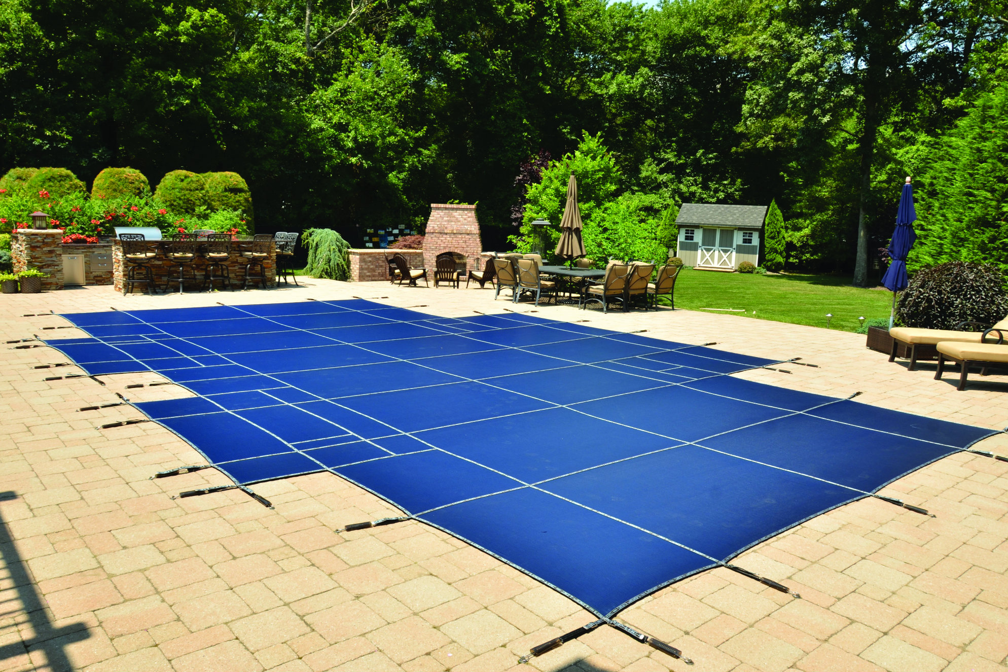 Loop Loc 39 S New Swimming Pool Cover Has Light Blocking Technology Pool Spa News Products