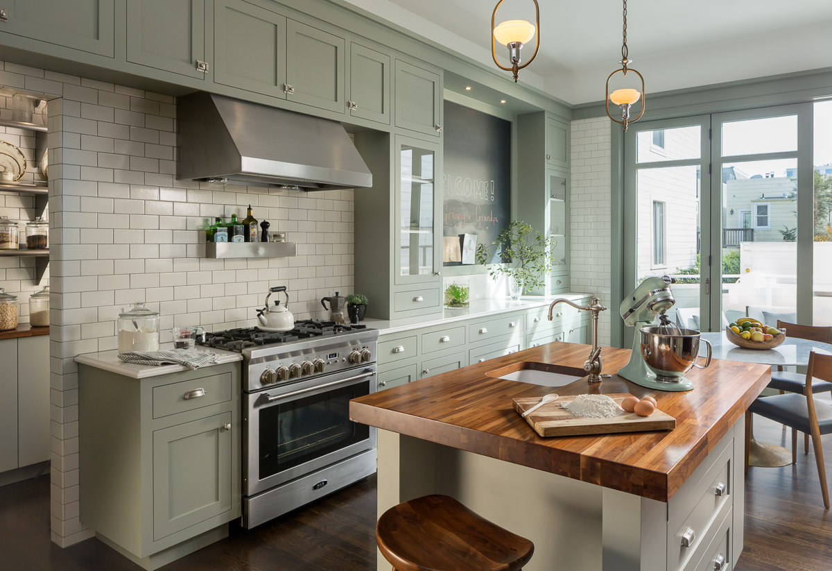 Pacific heights residence custom home magazine for Small victorian kitchen designs