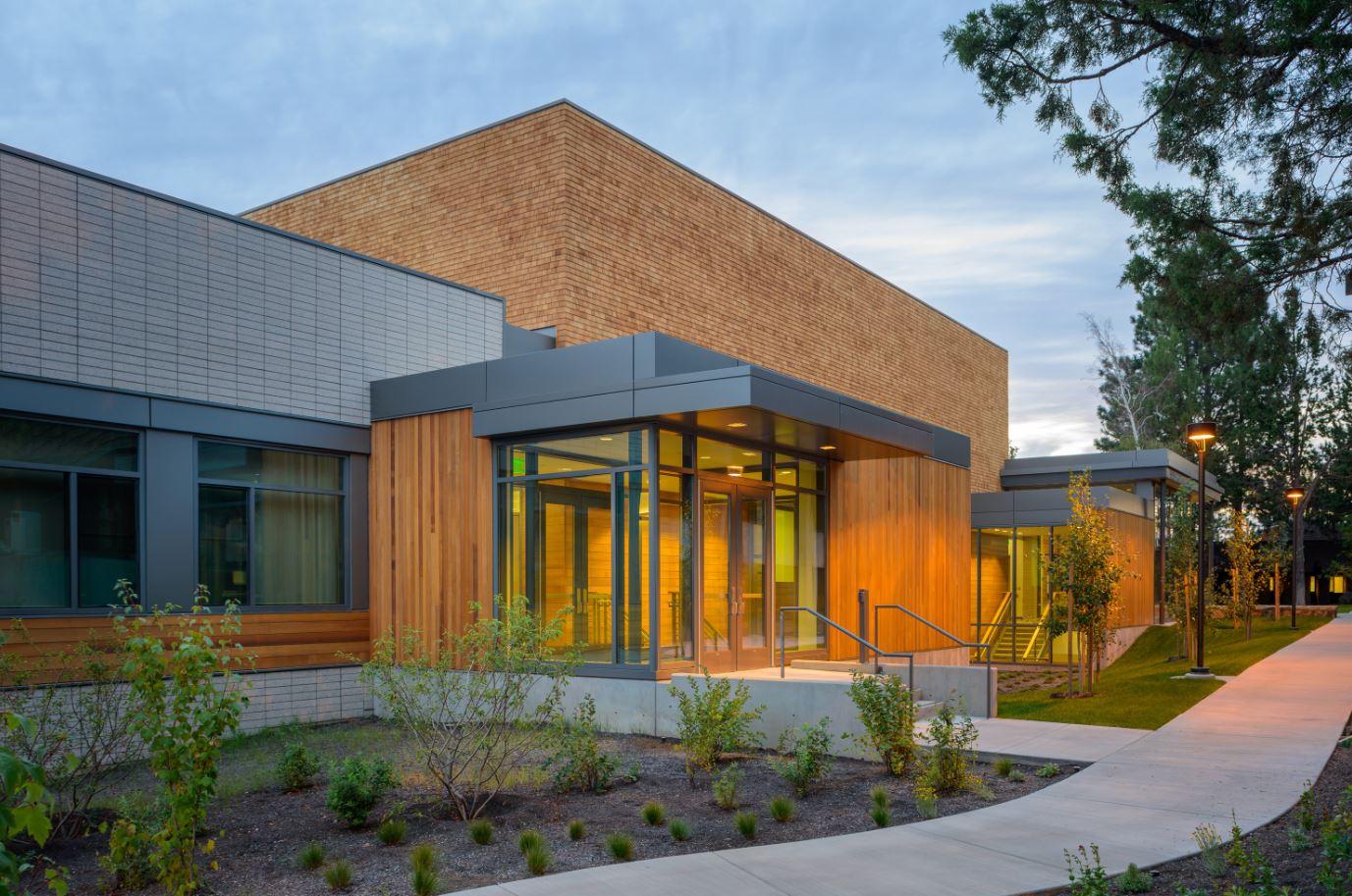 Central Oregon Community College Science Center Custom