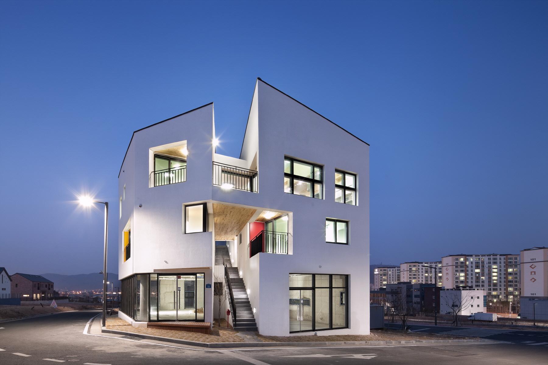 Double House Architect Magazine On Architecture Inc Gyeongsangnam Do South Korea