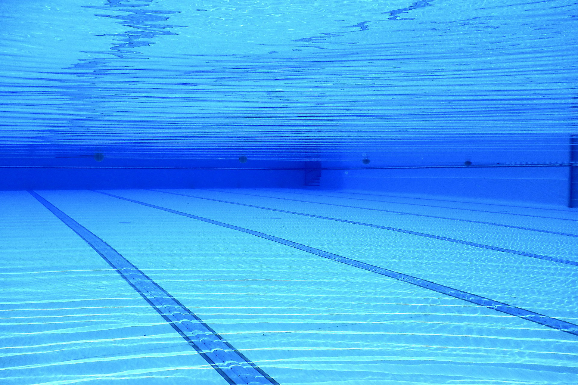 Can someone please explain the workings of a buffer in a swimming pool?