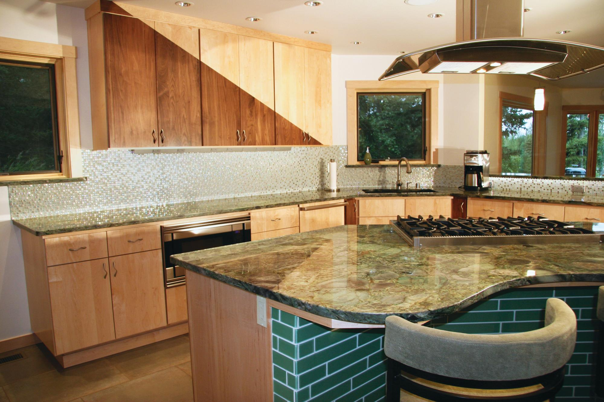Dealer advantage the pluses of being a cabinet dealer for Anchorage kitchen cabinets