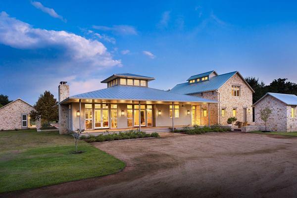 South central texas getaway custom home magazine for Custom home builders killeen tx