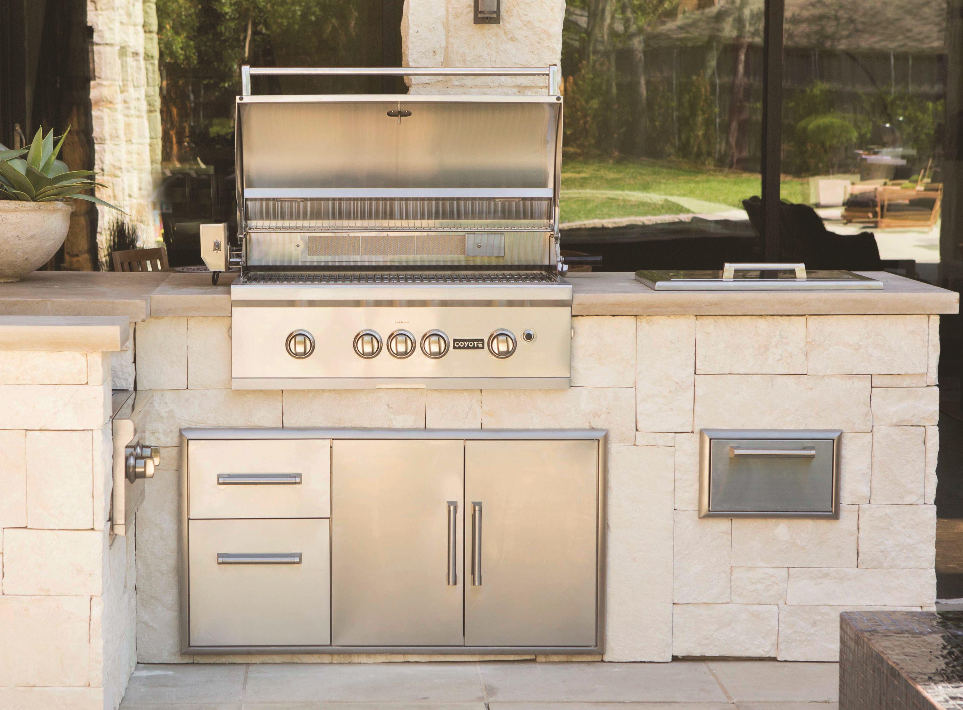 Built In Grills Professional Deck Builder Outdoor Kitchens