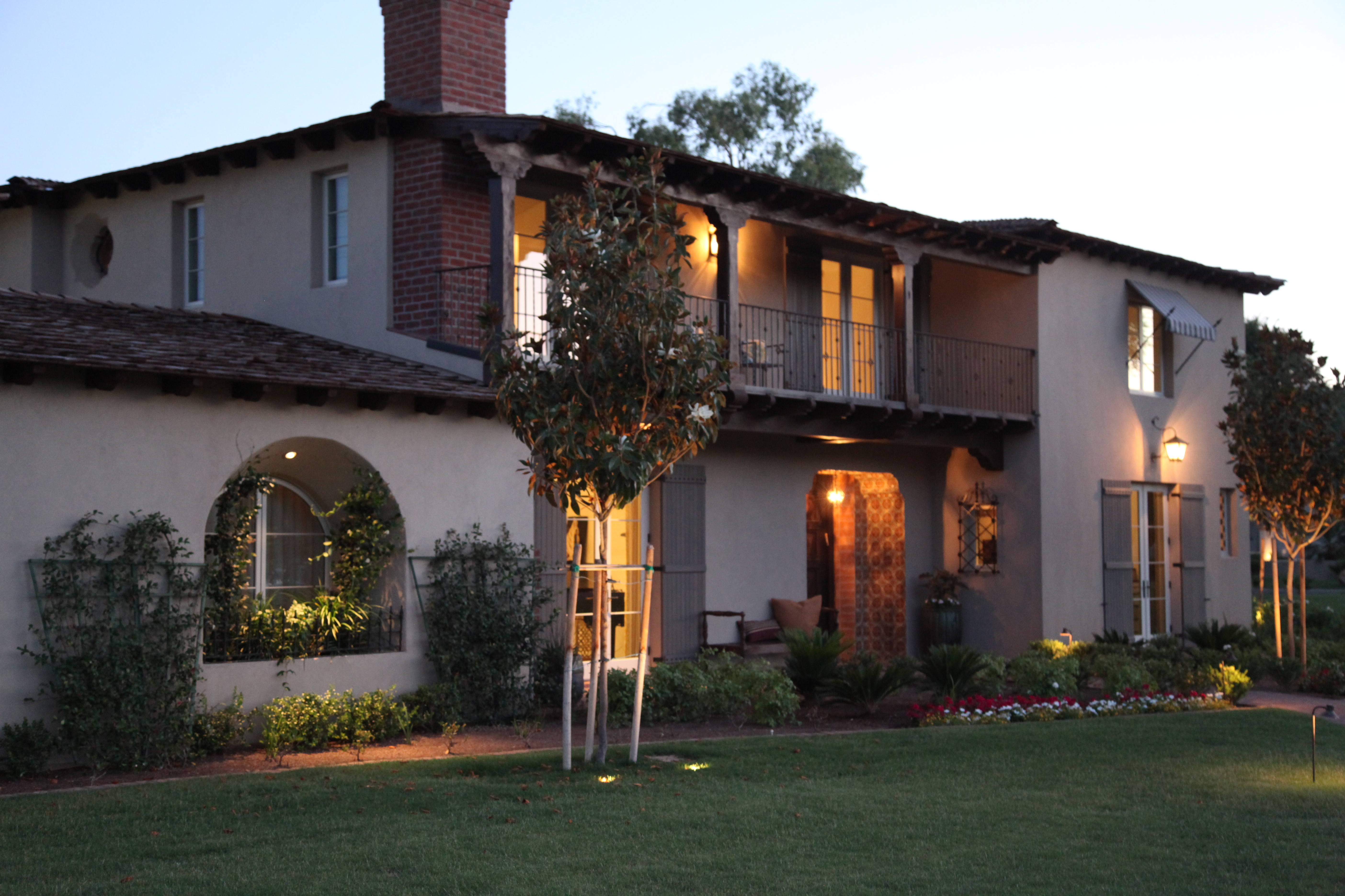 Monterey colonial a traditional home with delightful for Traditional home architecture