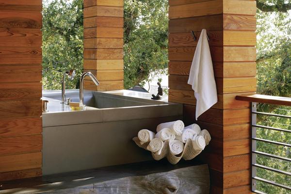 A Treehouse Tub Custom Home Magazine Detail Outdoor