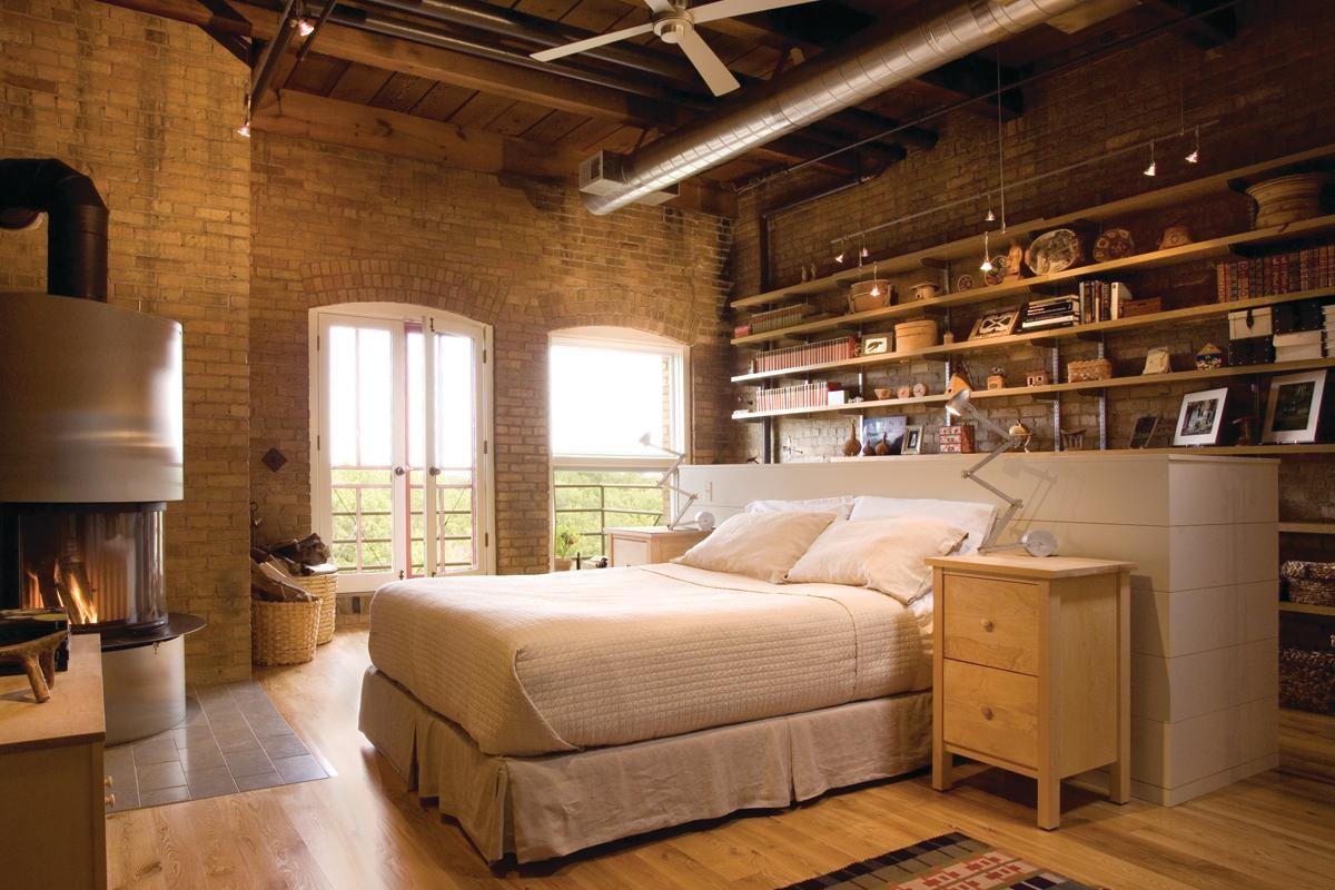 Top Floor Loft In Minneapolis Offers Rooftop Sunroom And