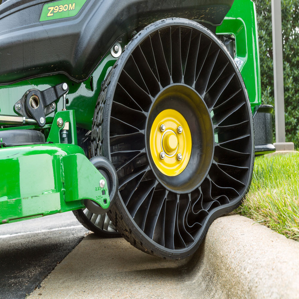 Commercial Tire Sizes >> A durable alternative to conventional pneumatic tires| Public Works Magazine | Fleets, Trucks ...