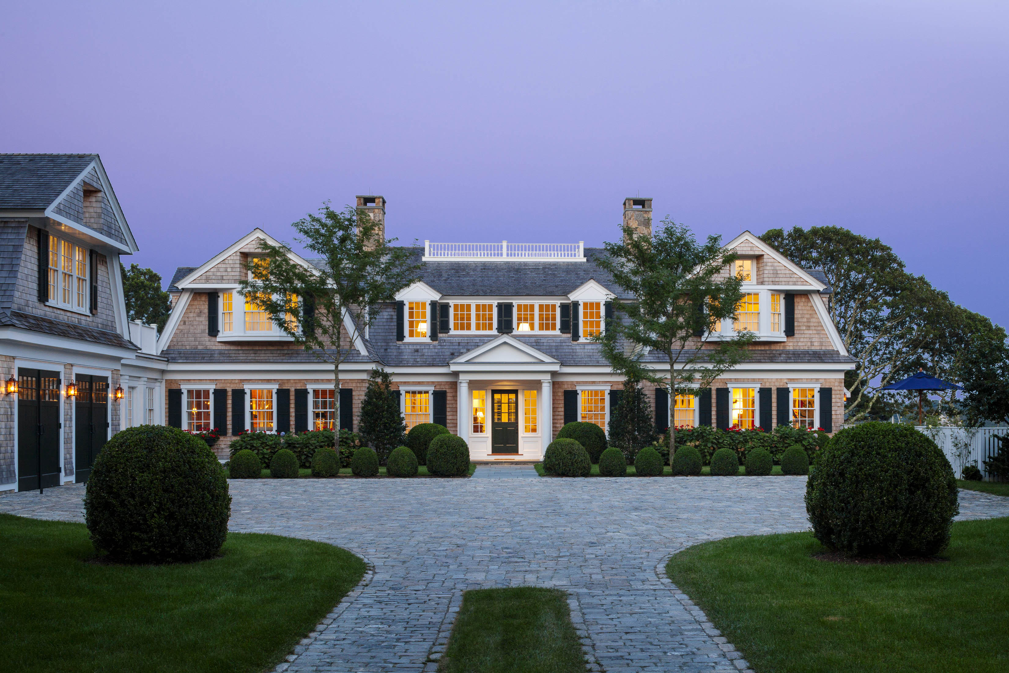 Coastal new england harbor house custom home magazine for Newengland homes