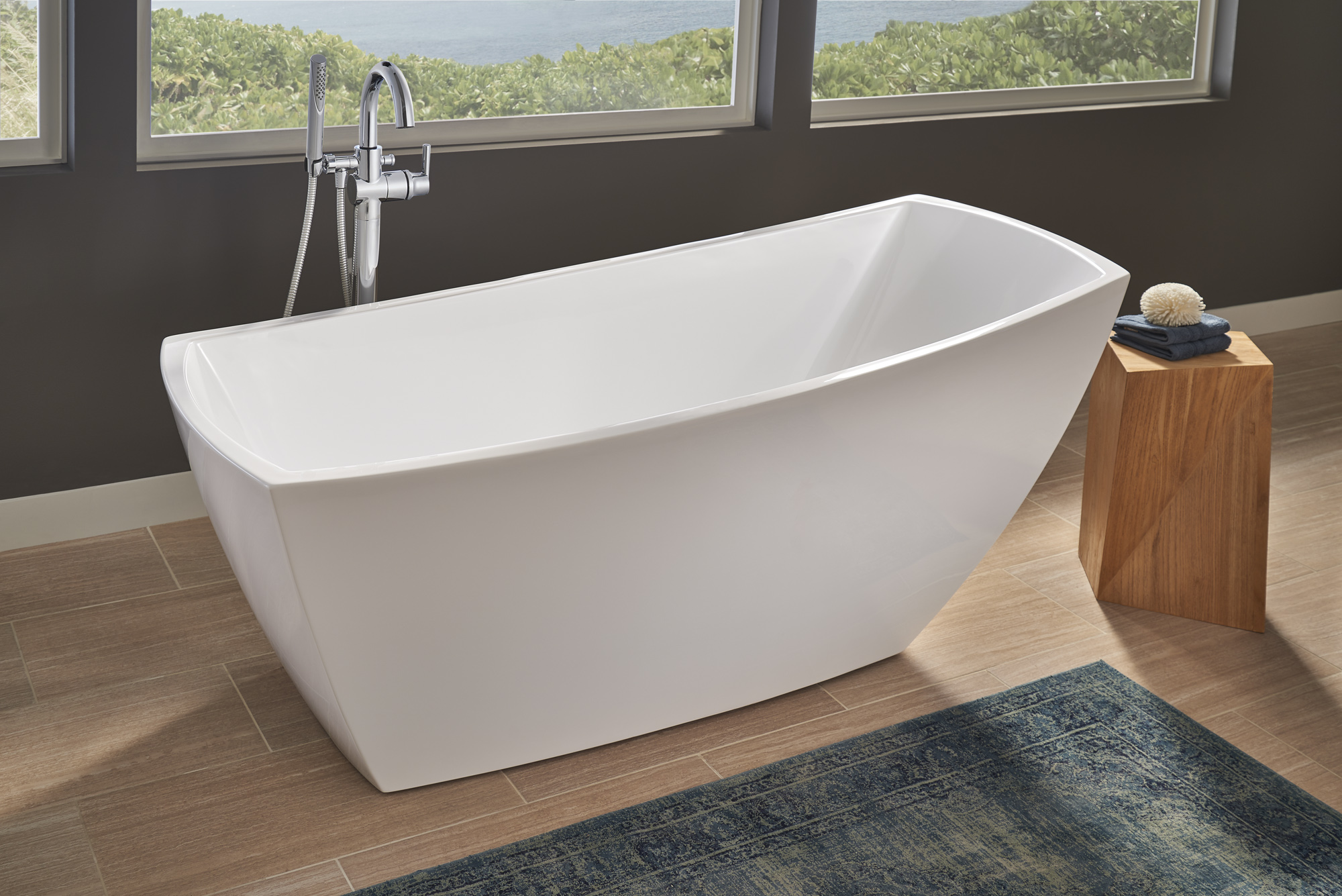 Jacuzzi Stella Soaker Tub Makes A Freestanding Statement JLC - Free standing jetted soaking tub