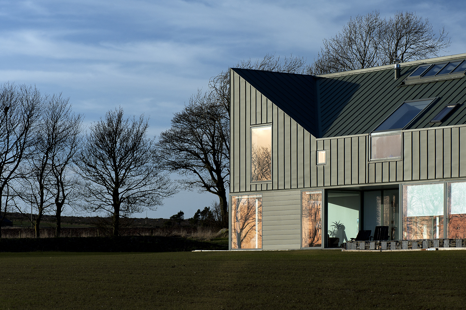 Zinc house architect magazine ljr h chartered for Home architects