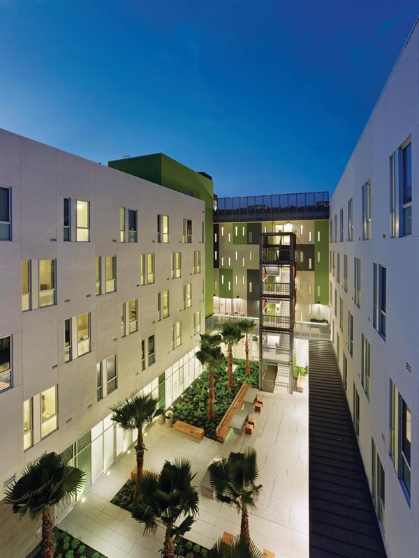 Drs julian and raye richardson apartments residential for Richardson architect