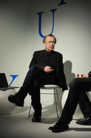 Vito Acconci speaking at a Design Pioneer Talk at Design Miami, where he was named designer of the year.