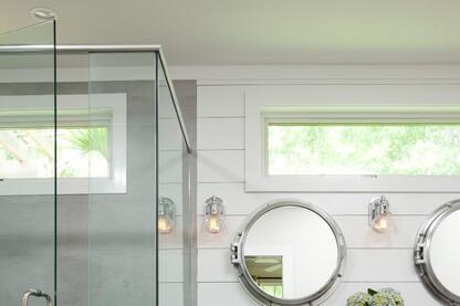 Nautical Master Bathroom Maximizes Its Tub Space