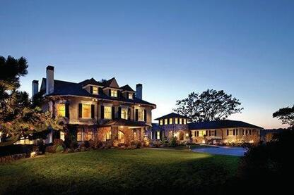 Grand Old Home Remodel Maximizes Spectacular Site