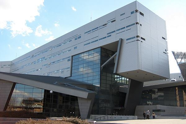 The University of Cincinnati Recreation Center, designed by Morphosis, is an example of investment in student service.