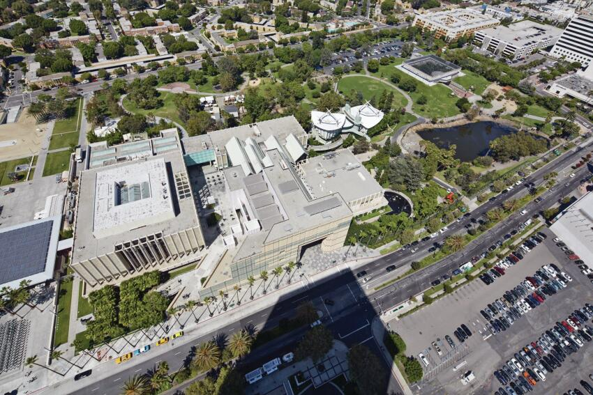 An aerial of the LACMA campus, the core of which would need to be demolished to make way for Peter Zumthor's new proposal.