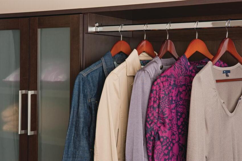 Nice Hangout: WoodTrac Closet System