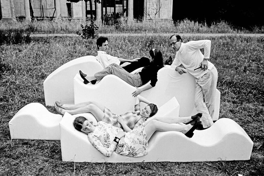 """""""Superonda Sofa, Archizoom Associati, 1966 – Archive Centro Studi Poltronova."""""""