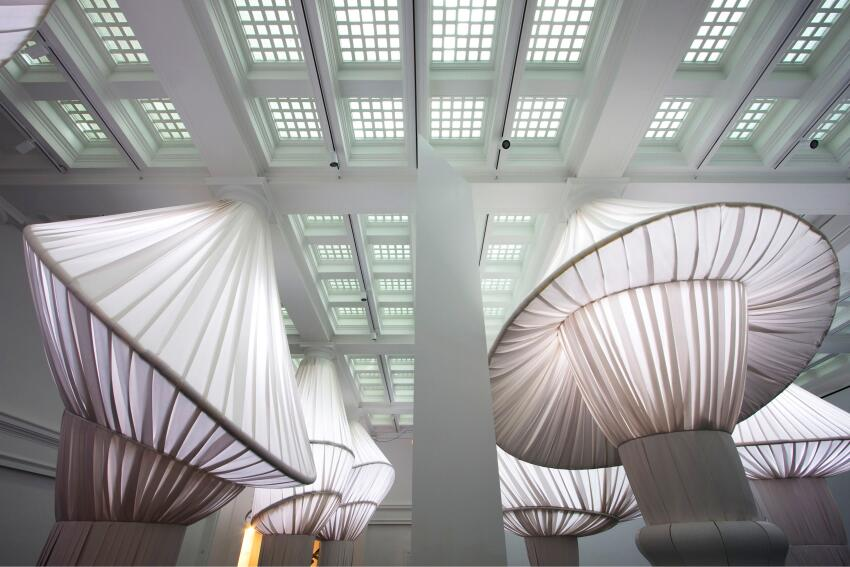 Basar Girit, Aleksey Lukyanov-Cherny, Wes Rozen, and Bradley Samuels of Brooklyn, N.Y.-based SITU Studio designed this site-specific installation, ReOrder, for the great hall of the Brooklyn Museum.
