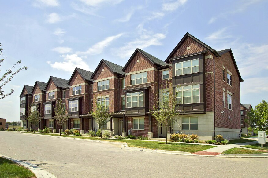 The Jacobs Companies Aspen Pointe project featuring 132 townhomes with floor plans ranging from 2,100 to 2,400 square feet in Vernon Hills, Ill.