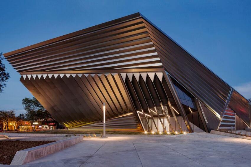 Inside Zaha Hadid's Eli and Edythe Broad Museum of Art