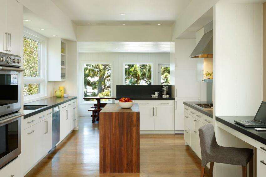 Merit Award, Whole-House Remodeling $250,000 - $500,000: Wonky Works