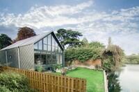 Amphibious Home Offers Solution to United Kingdom's Flood Prone Neighborhoods