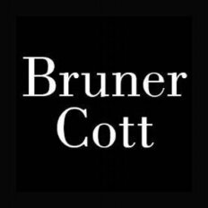 Bruner/Cott Architects and Planners Logo