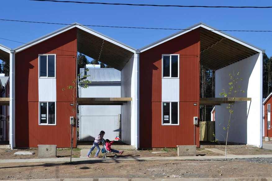 Villa Verde Housing in Constitución, Chile