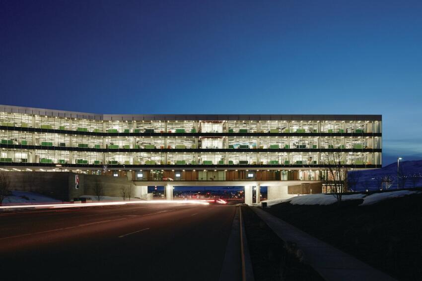 WRNS Studio designed the new Utah outpost of Adobe to bridge across a four-lane road.