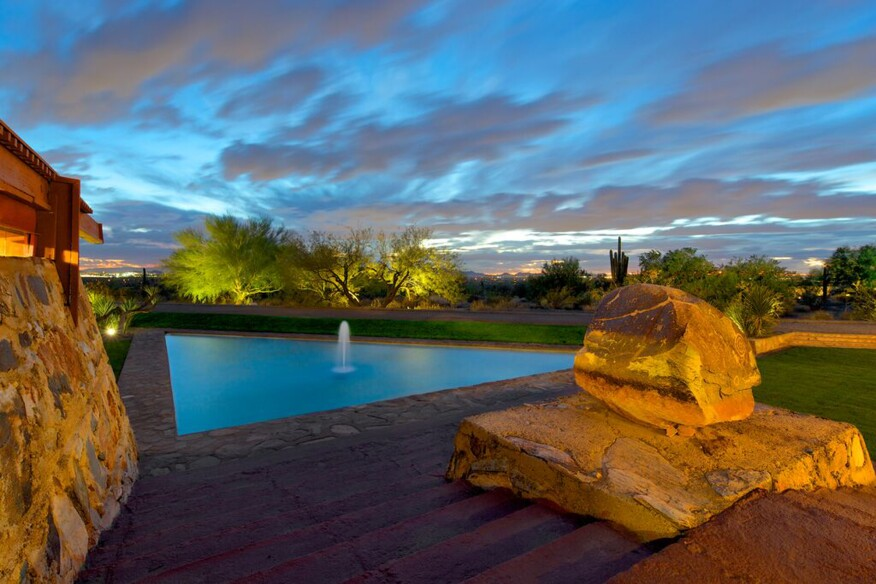 Swimmng pool at Taliesin West