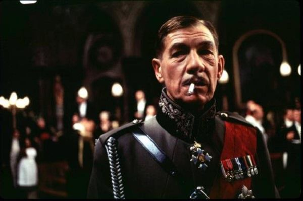 Ian McKellen plays the king in 'Richard III' (1995).