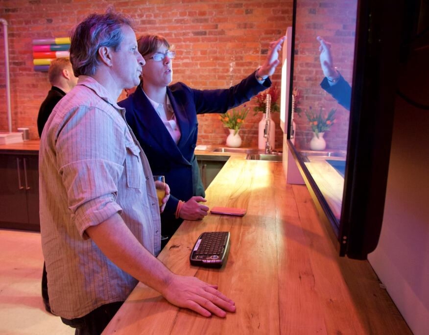 Interactive displays allow visitors to see real-time demonstrations of the company's luminaires and their lighting capabilities.